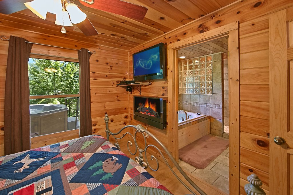 Photo of a Gatlinburg Cabin named Cajun Hideaway - This is the sixth photo in the set.