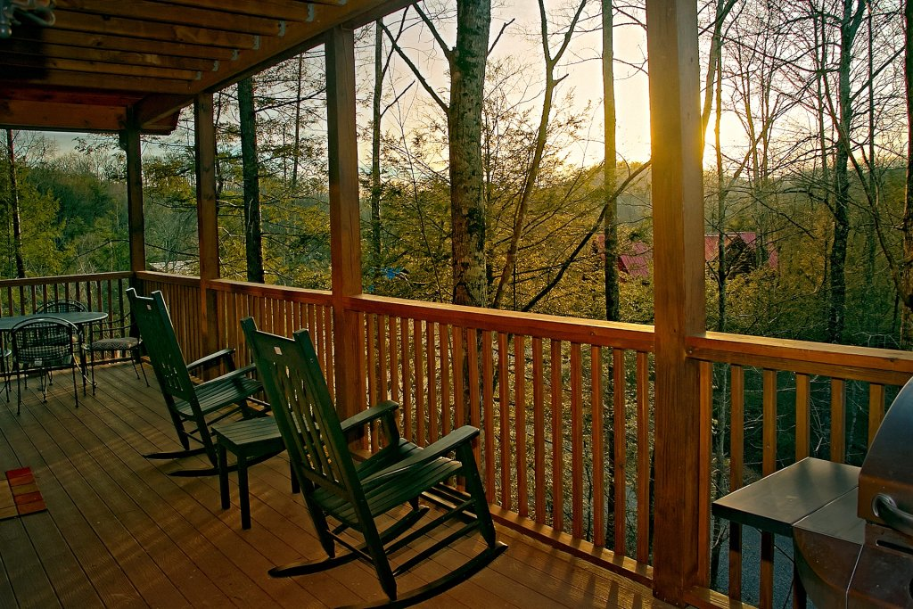 Photo of a Gatlinburg Cabin named Basswood Lodge - This is the sixth photo in the set.