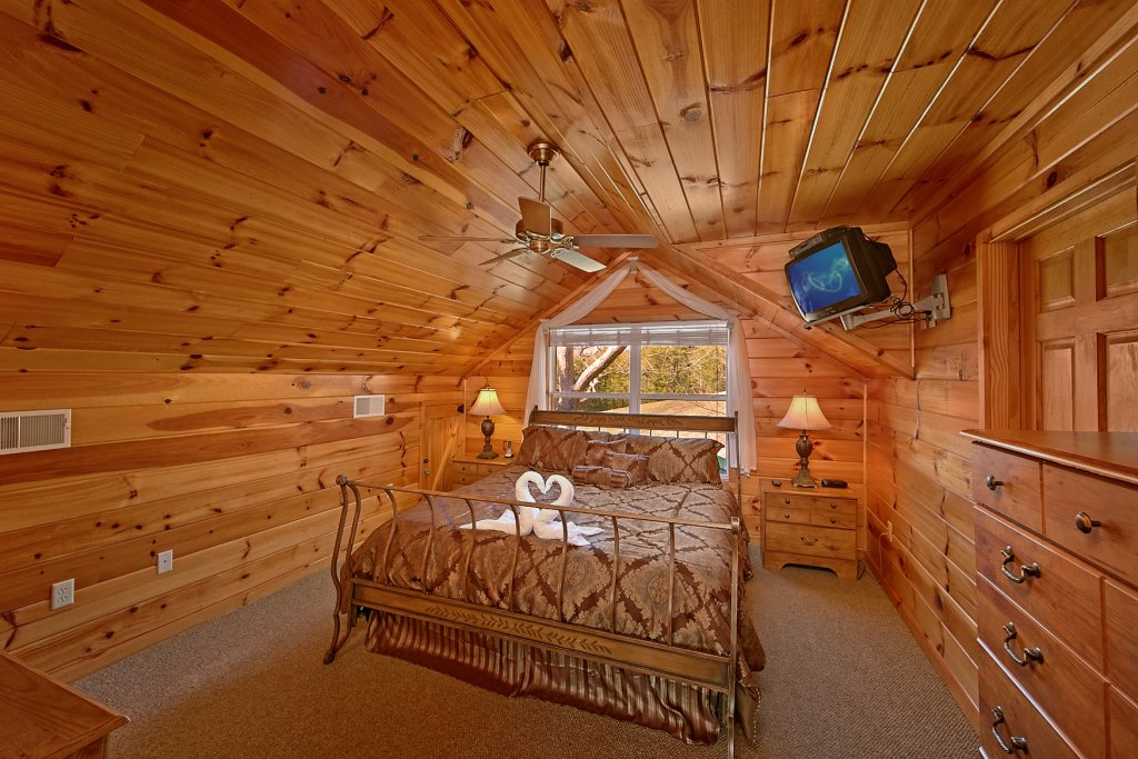 Photo of a Gatlinburg Cabin named A Slice Of Heaven - This is the fifteenth photo in the set.