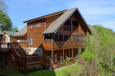 2 Bedroom Pigeon Forge Resort Cabin Townhouse Near Golf Course Dollywood