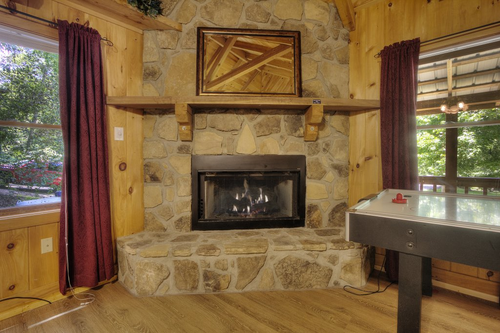 Photo of a Pigeon Forge Cabin named Stream Of Love #374 - This is the seventeenth photo in the set.