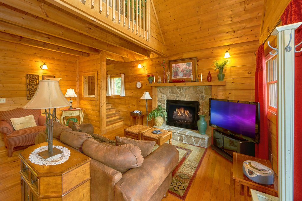 Photo of a Sevierville Cabin named Hidden Romance #1404 - This is the fifth photo in the set.