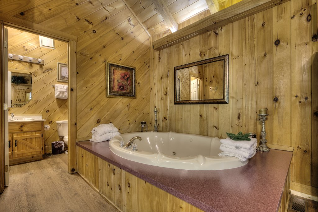 Photo of a Pigeon Forge Cabin named Stream Of Love #374 - This is the twenty-first photo in the set.