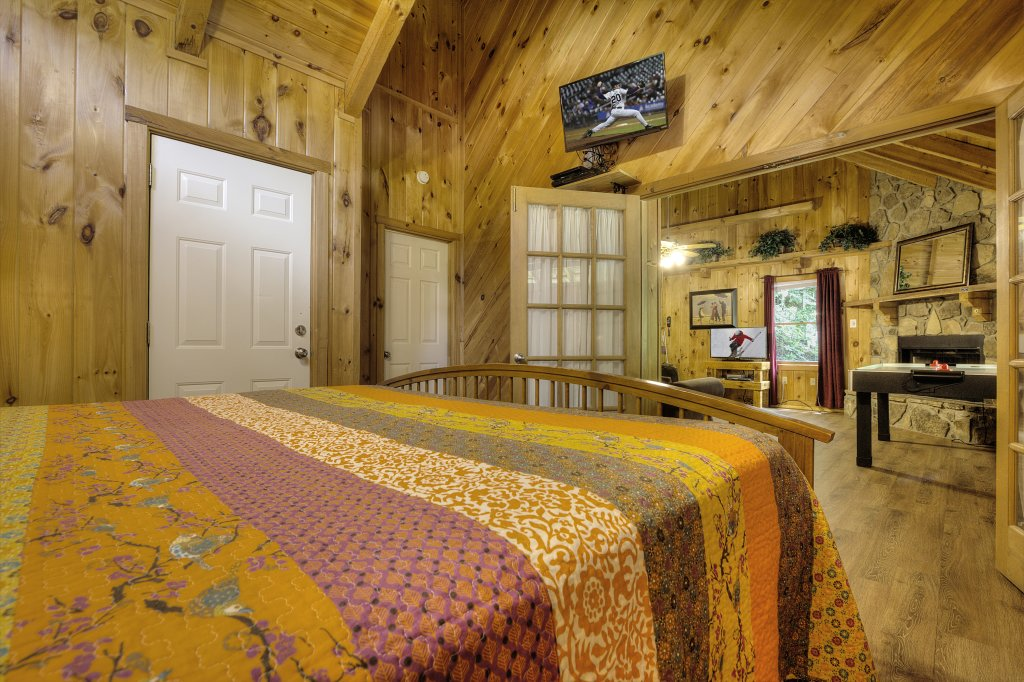 Photo of a Pigeon Forge Cabin named Stream Of Love #374 - This is the thirty-fourth photo in the set.