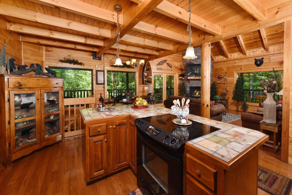 Photo of a Sevierville Cabin named Cedar Forest - This is the twelfth photo in the set.