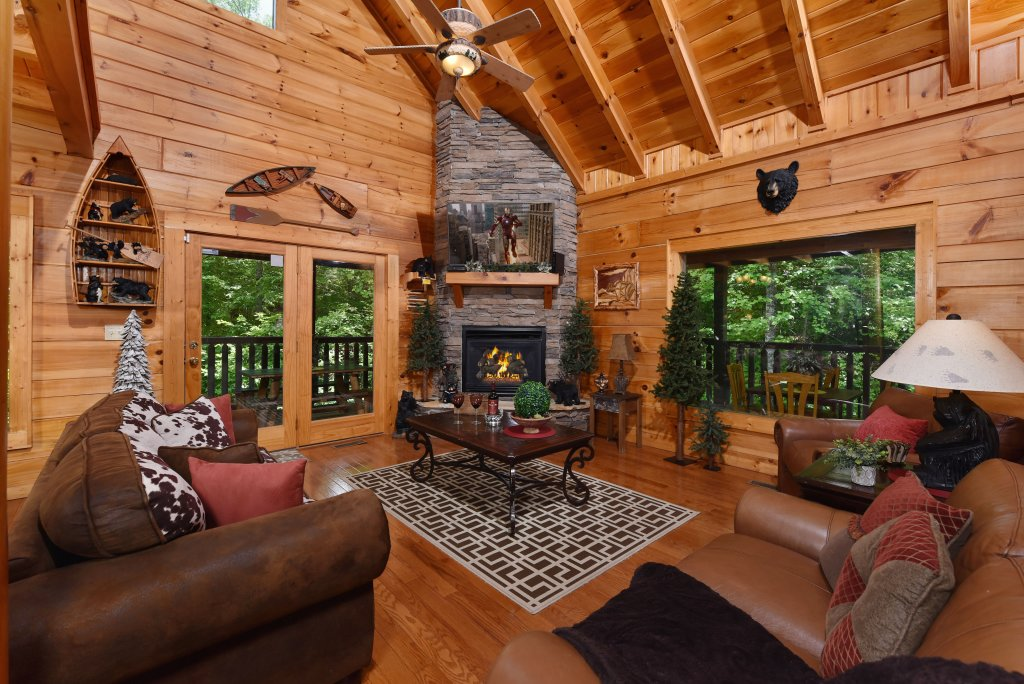 Photo of a Sevierville Cabin named Cedar Forest - This is the fifth photo in the set.
