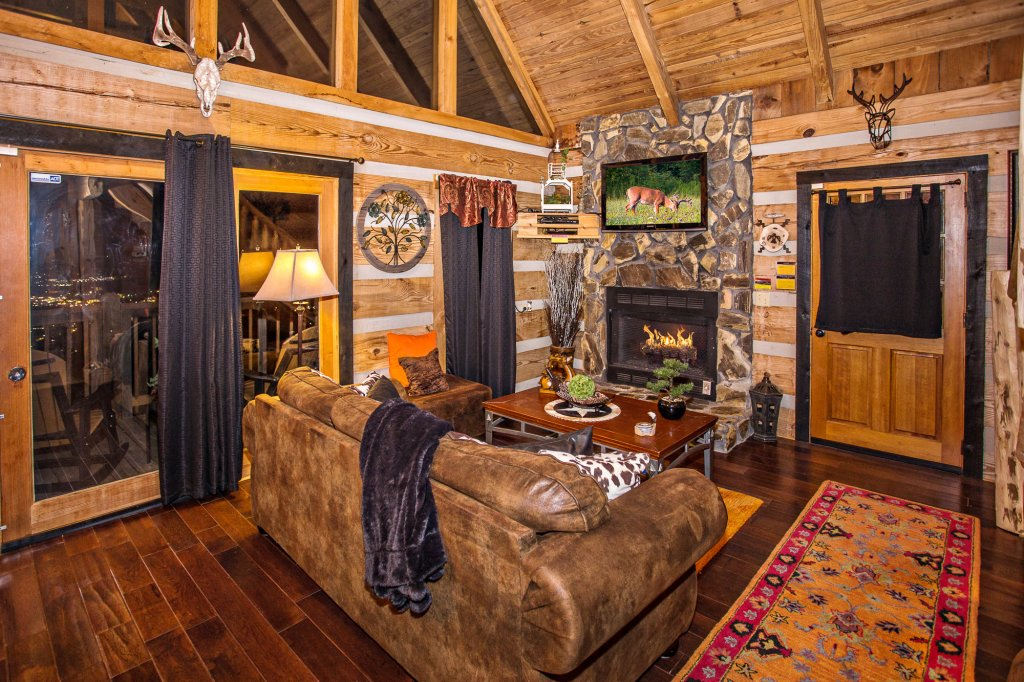 Photo of a Pigeon Forge Cabin named Eagle's View - This is the fifth photo in the set.