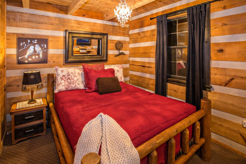 Photo of a Pigeon Forge Cabin named Eagle's View - This is the twenty-first photo in the set.
