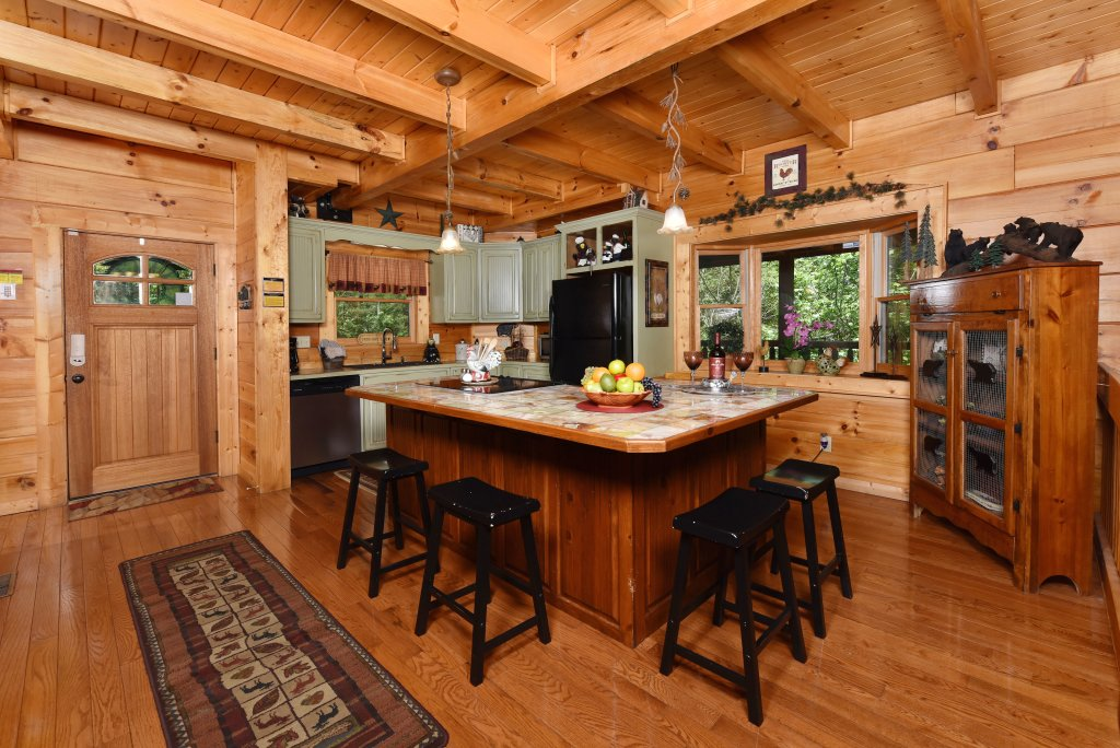 Photo of a Sevierville Cabin named Cedar Forest - This is the tenth photo in the set.