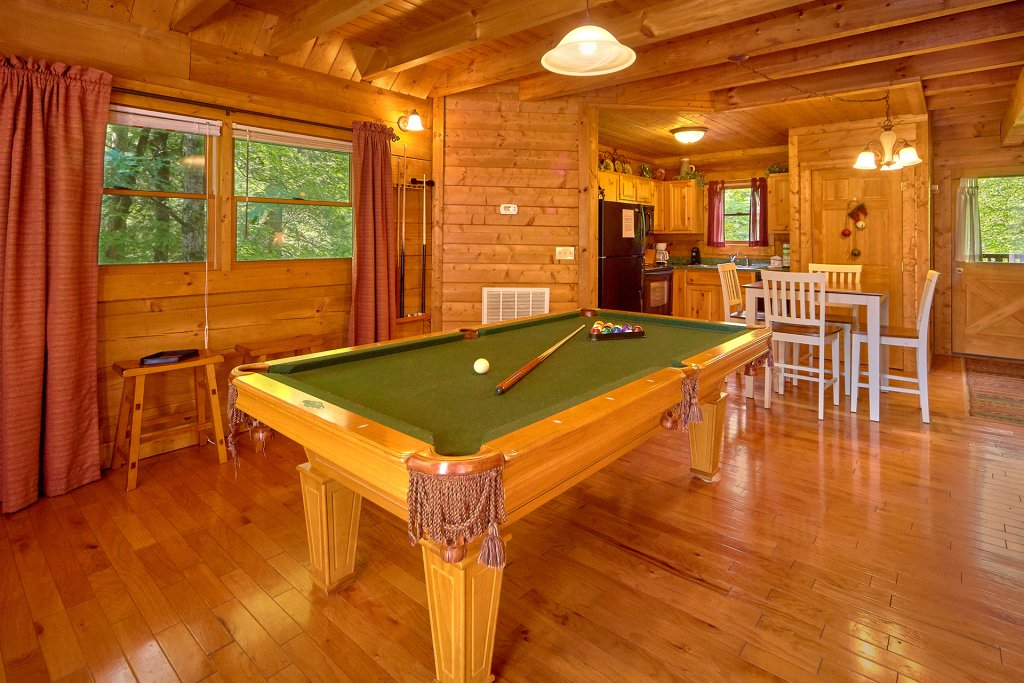 Photo of a Sevierville Cabin named Hidden Romance #1404 - This is the thirteenth photo in the set.
