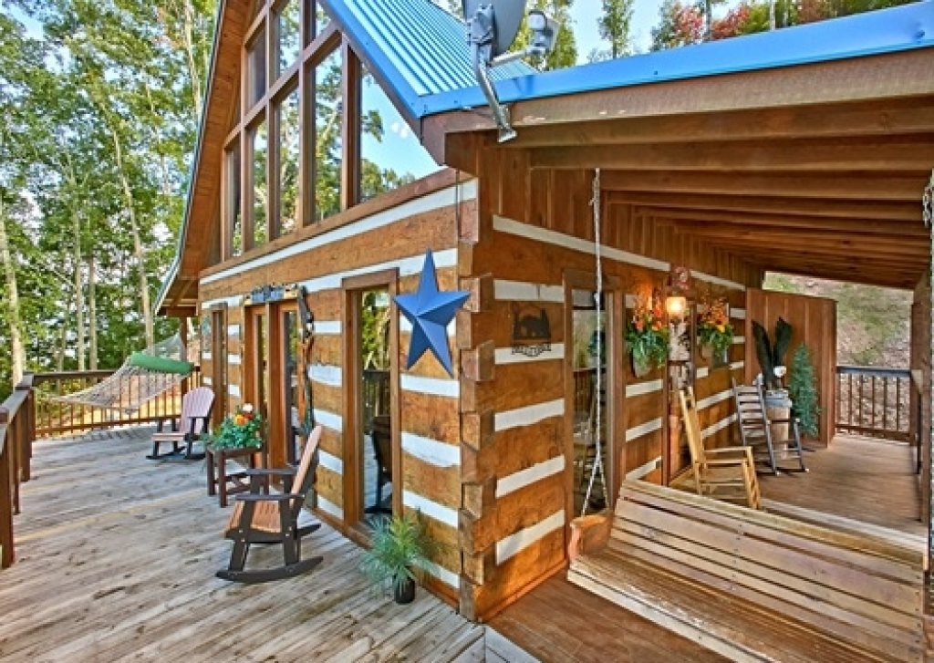 Photo of a Pigeon Forge Cabin named Eagle's View - This is the thirty-third photo in the set.