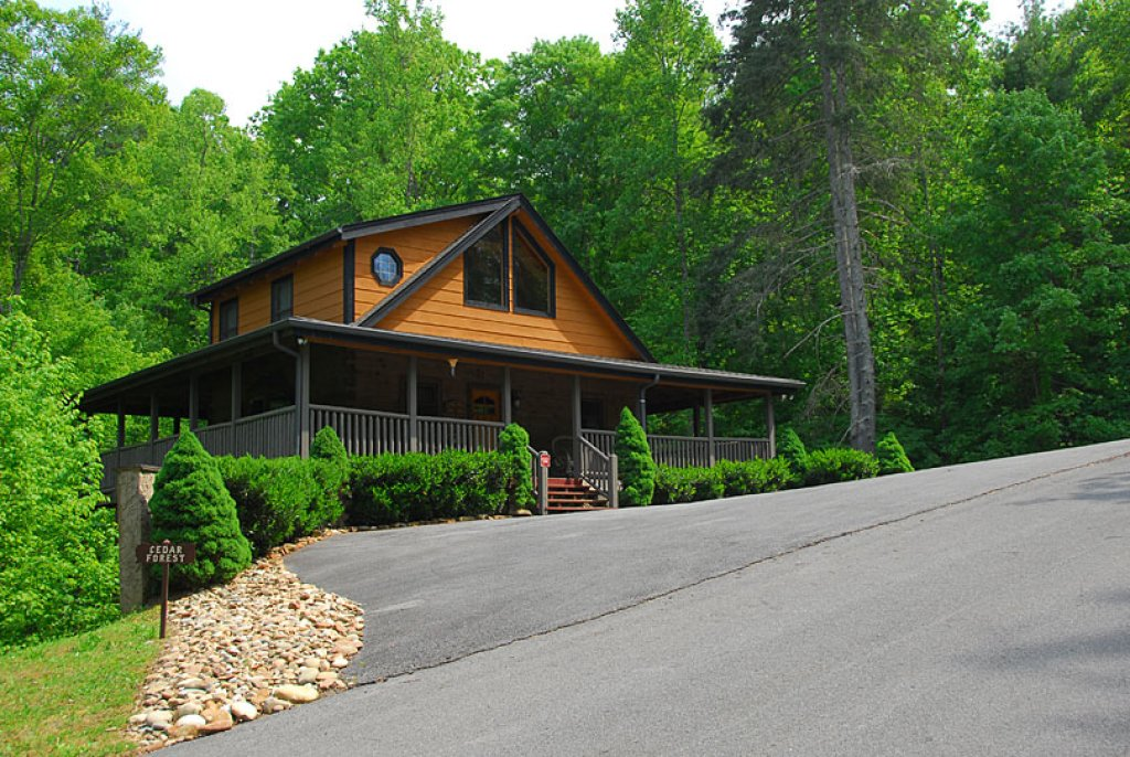 Photo of a Sevierville Cabin named Cedar Forest - This is the ninth photo in the set.