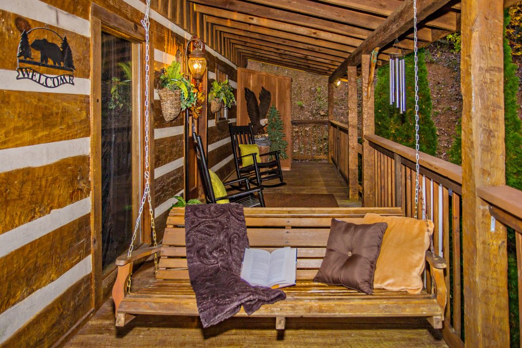Photo of a Pigeon Forge Cabin named Eagle's View - This is the fifty-first photo in the set.