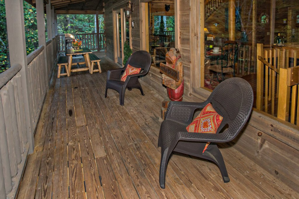Photo of a Sevierville Cabin named Cedar Forest - This is the forty-fourth photo in the set.