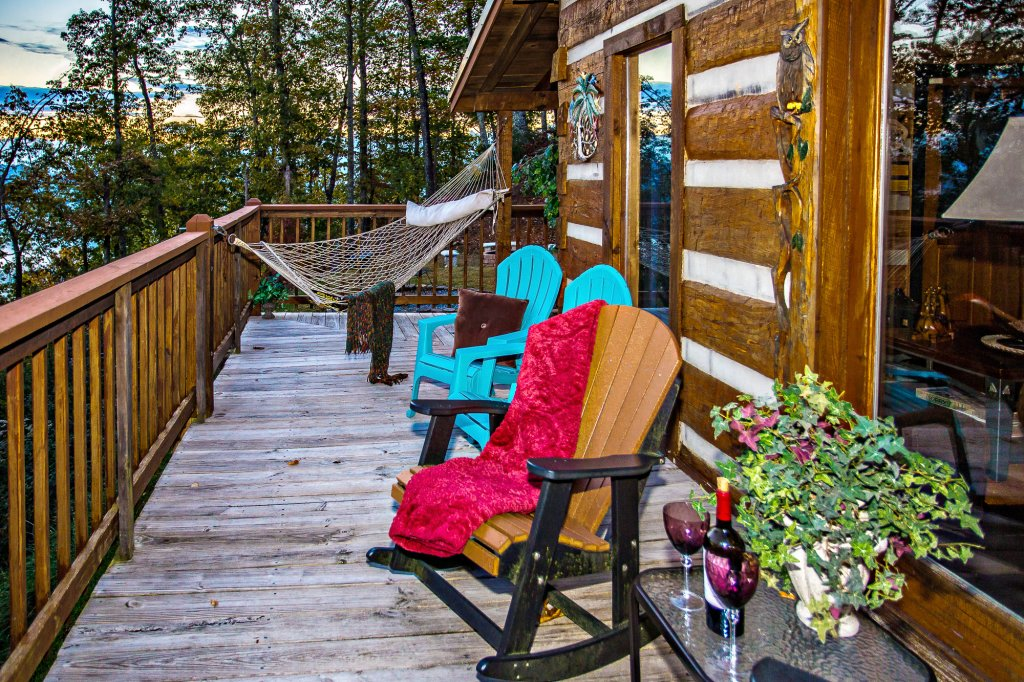 Photo of a Pigeon Forge Cabin named Eagle's View - This is the fifty-third photo in the set.