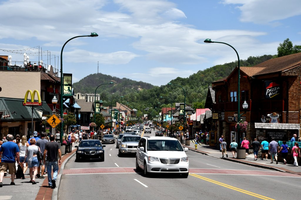 Photo of a Gatlinburg Cabin named Wild Thing #1525 - This is the fourteenth photo in the set.