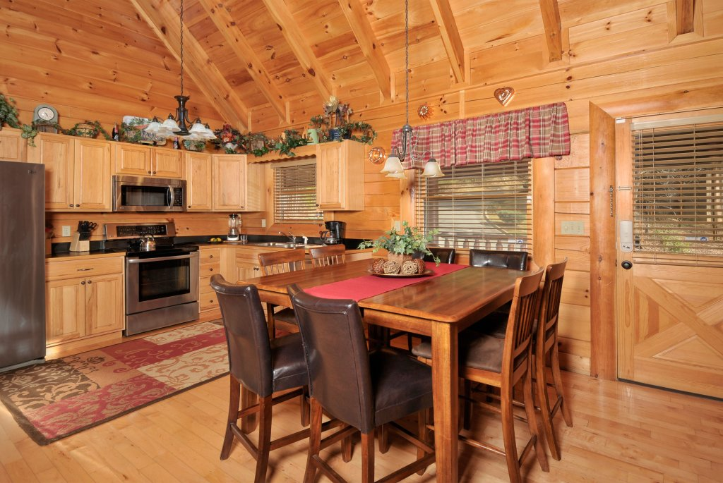 Photo of a Sevierville Cabin named Enchanted Forest - This is the fifth photo in the set.