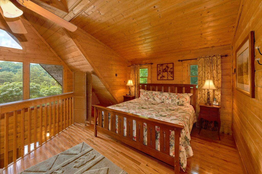 Photo of a Sevierville Cabin named Hidden Romance #1404 - This is the fourth photo in the set.