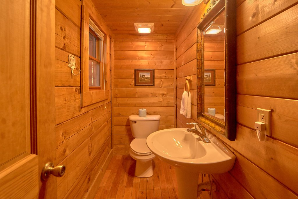 Photo of a Sevierville Cabin named Hidden Romance #1404 - This is the twenty-first photo in the set.