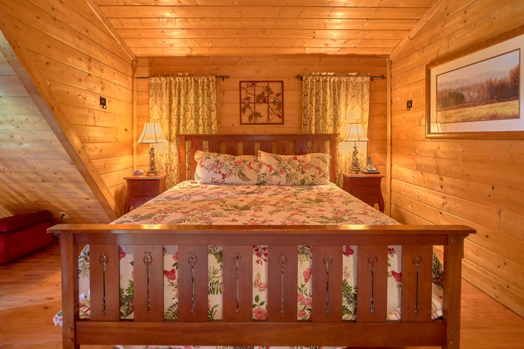 Photo of a Sevierville Cabin named Hidden Romance #1404 - This is the twenty-third photo in the set.