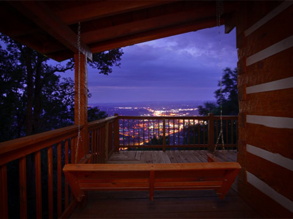 Photo of a Pigeon Forge Cabin named Eagle's View - This is the thirty-ninth photo in the set.