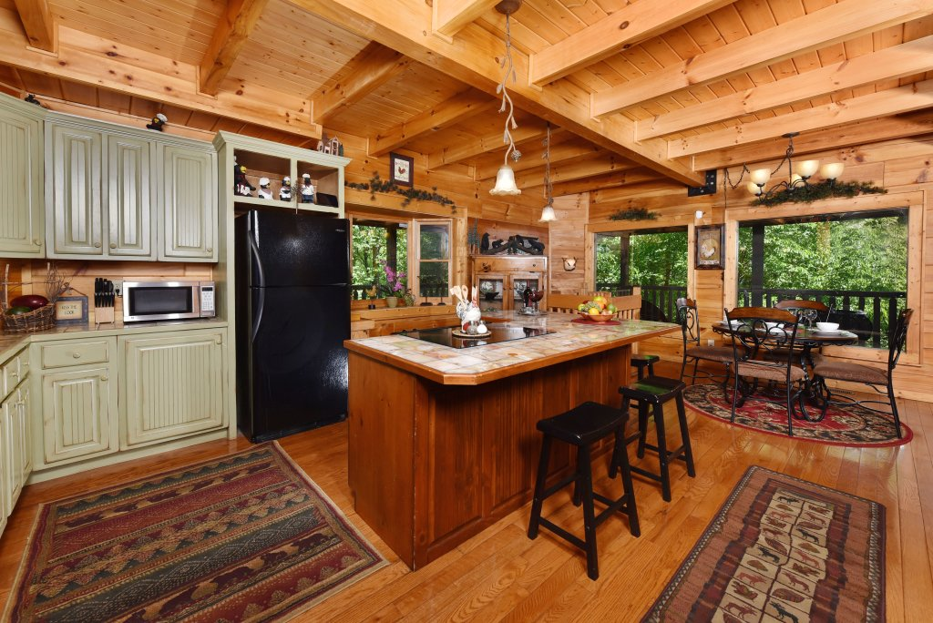 Photo of a Sevierville Cabin named Cedar Forest - This is the eleventh photo in the set.