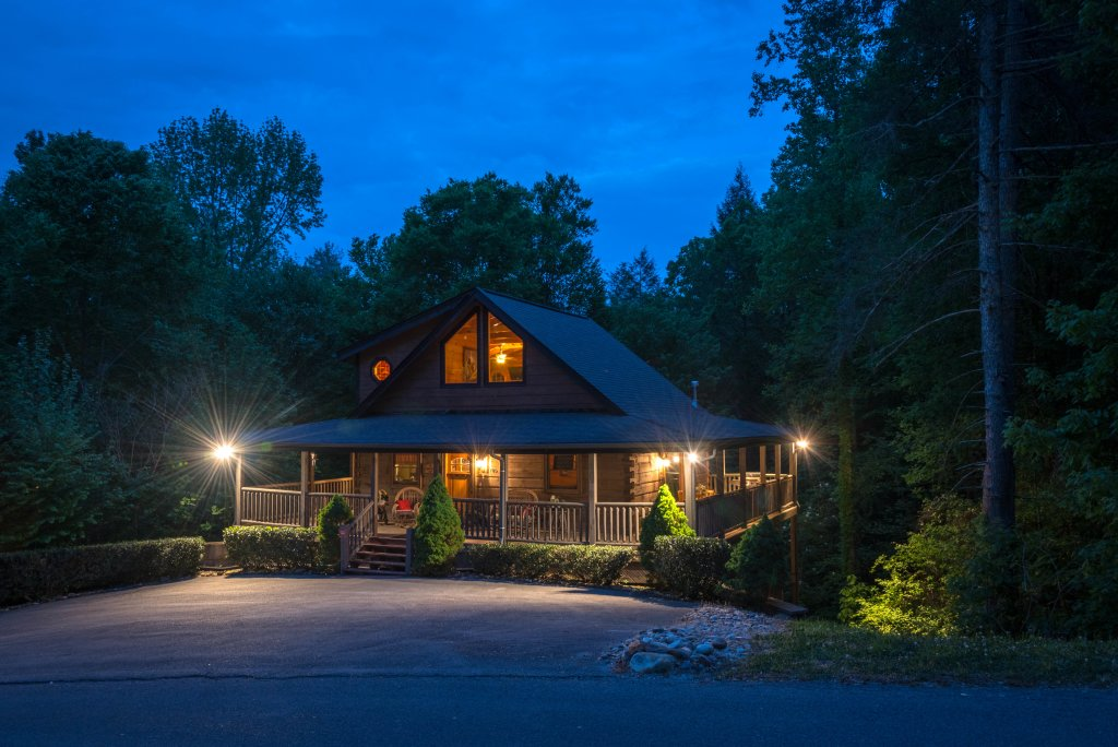 Photo of a Sevierville Cabin named Cedar Forest - This is the twenty-sixth photo in the set.