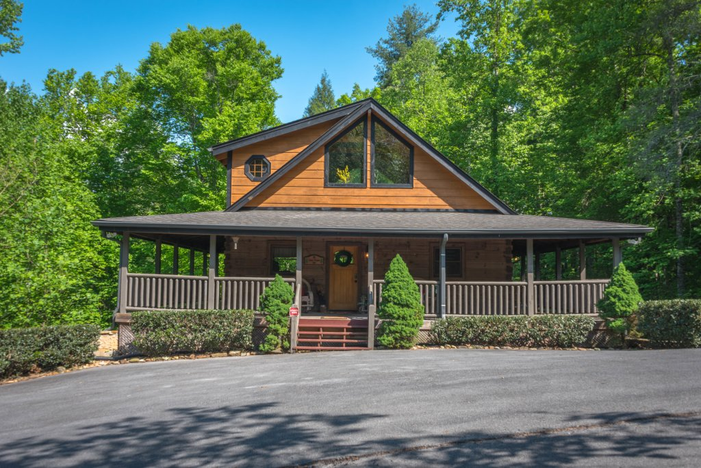 Photo of a Sevierville Cabin named Cedar Forest - This is the twenty-fourth photo in the set.