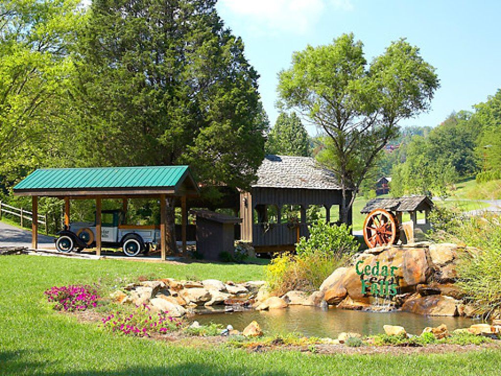 Photo of a Sevierville Cabin named Cedar Forest - This is the fifty-first photo in the set.