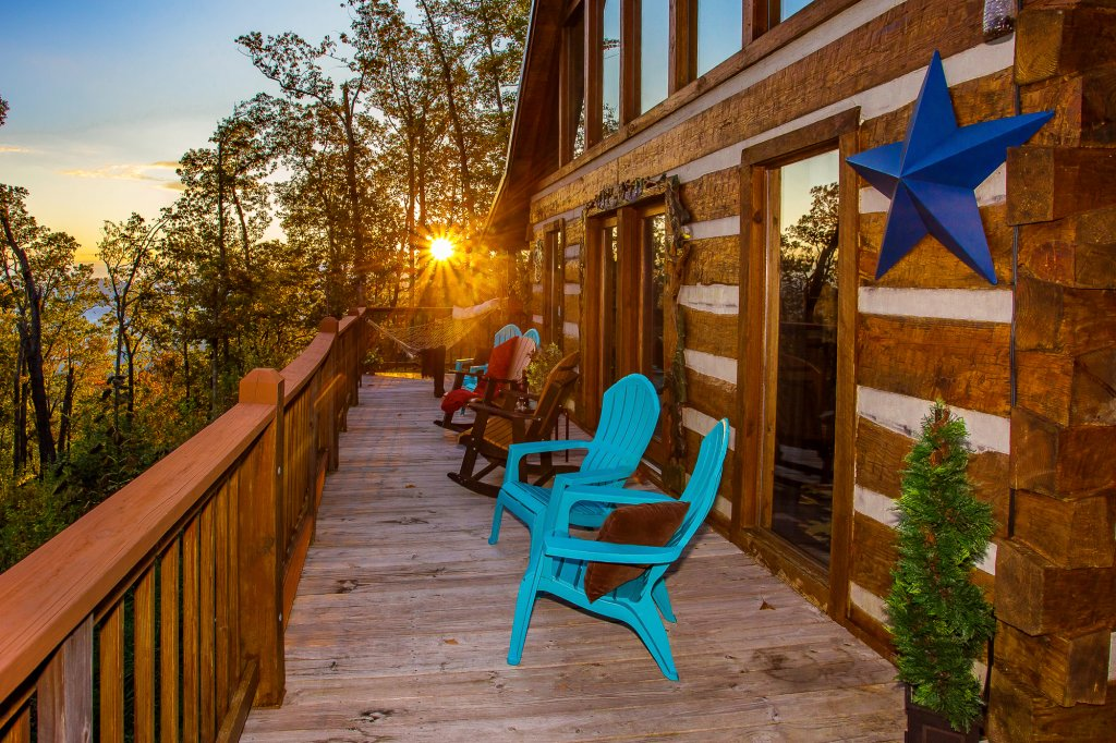 Photo of a Pigeon Forge Cabin named Eagle's View - This is the fifty-seventh photo in the set.