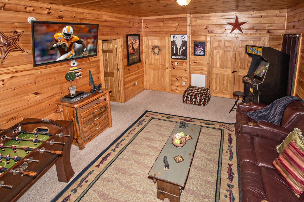 Photo of a Sevierville Cabin named Cedar Forest - This is the thirty-eighth photo in the set.