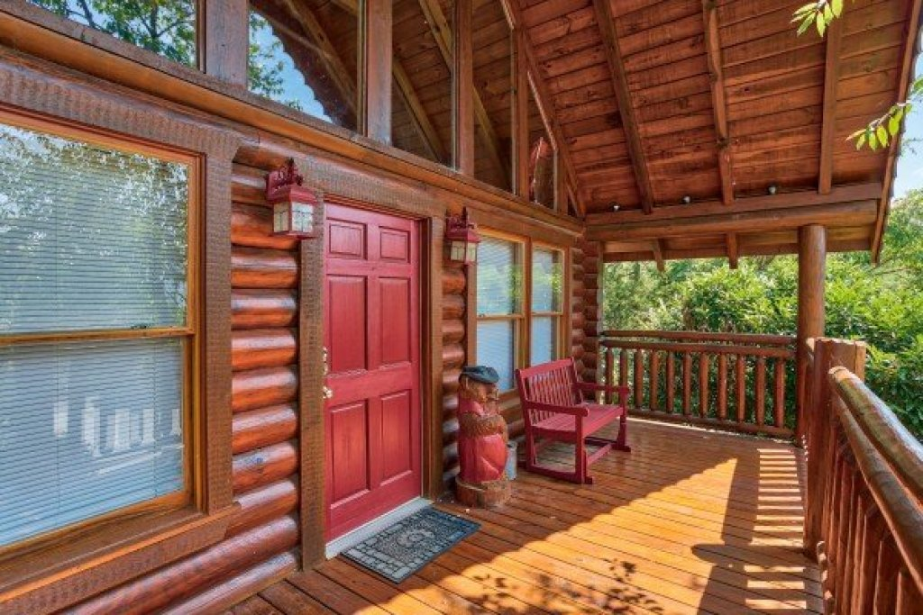 Photo of a Pigeon Forge Cabin named Alpine Sunset Thrill - This is the first photo in the set.