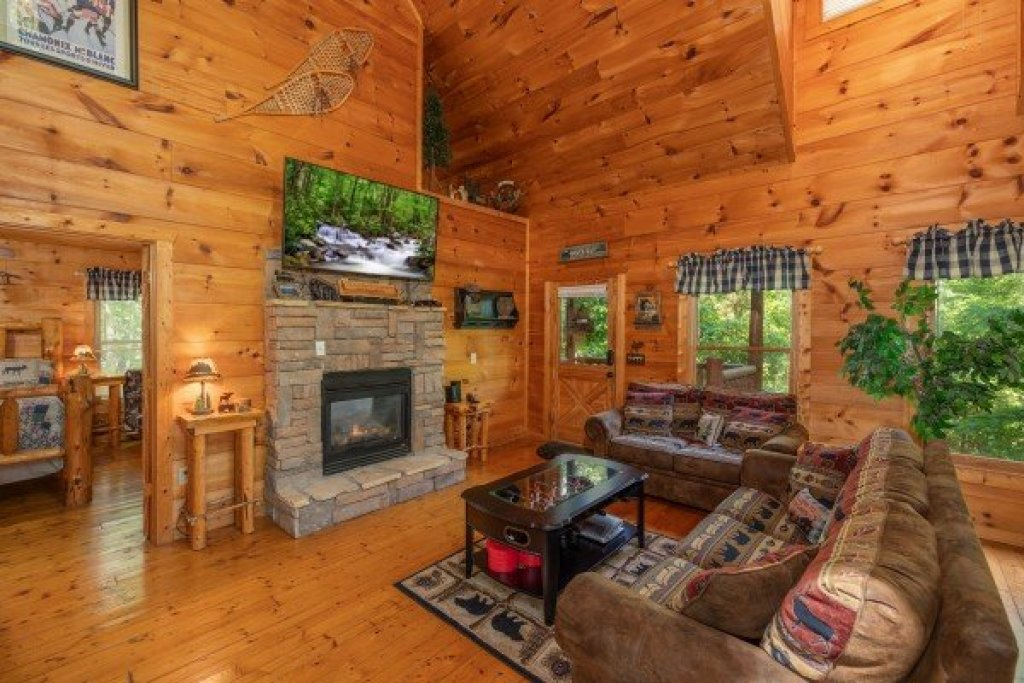 Photo of a Gatlinburg Cabin named Misty Mountain Escape - This is the second photo in the set.