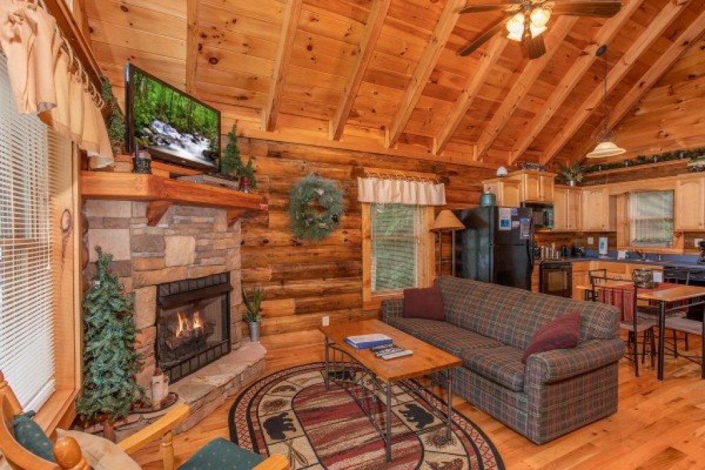 Photo of a Pigeon Forge Cabin named Alpine Sunset Thrill - This is the third photo in the set.