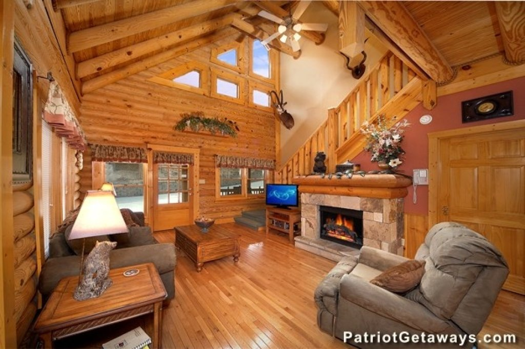 Photo of a Pigeon Forge Cabin named Hibernation Hideaway #745 - This is the first photo in the set.