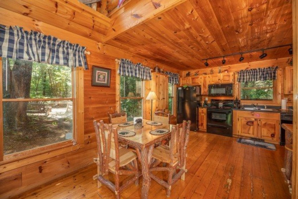 Photo of a Gatlinburg Cabin named Misty Mountain Escape - This is the fifth photo in the set.