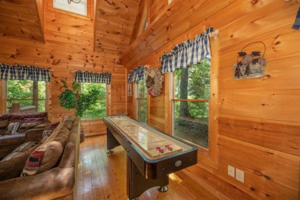 Photo of a Gatlinburg Cabin named Misty Mountain Escape - This is the fourth photo in the set.