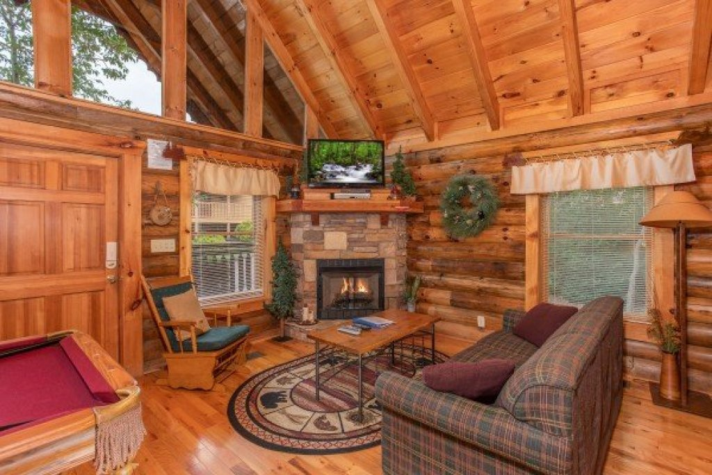 Photo of a Pigeon Forge Cabin named Alpine Sunset Thrill - This is the fourth photo in the set.