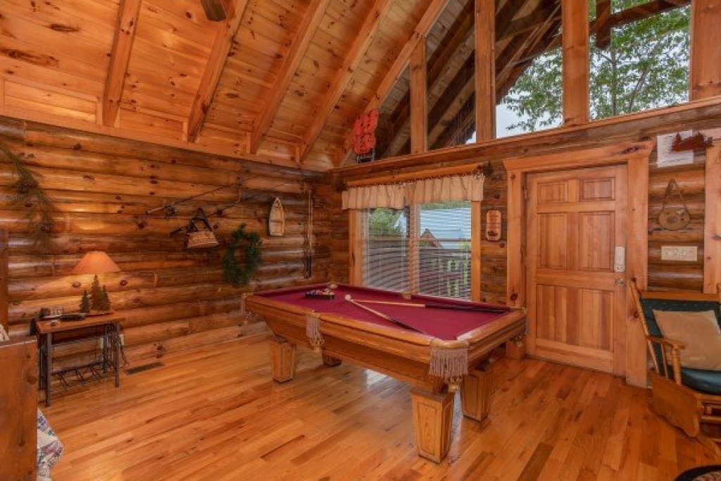 Photo of a Pigeon Forge Cabin named Alpine Sunset Thrill - This is the seventh photo in the set.