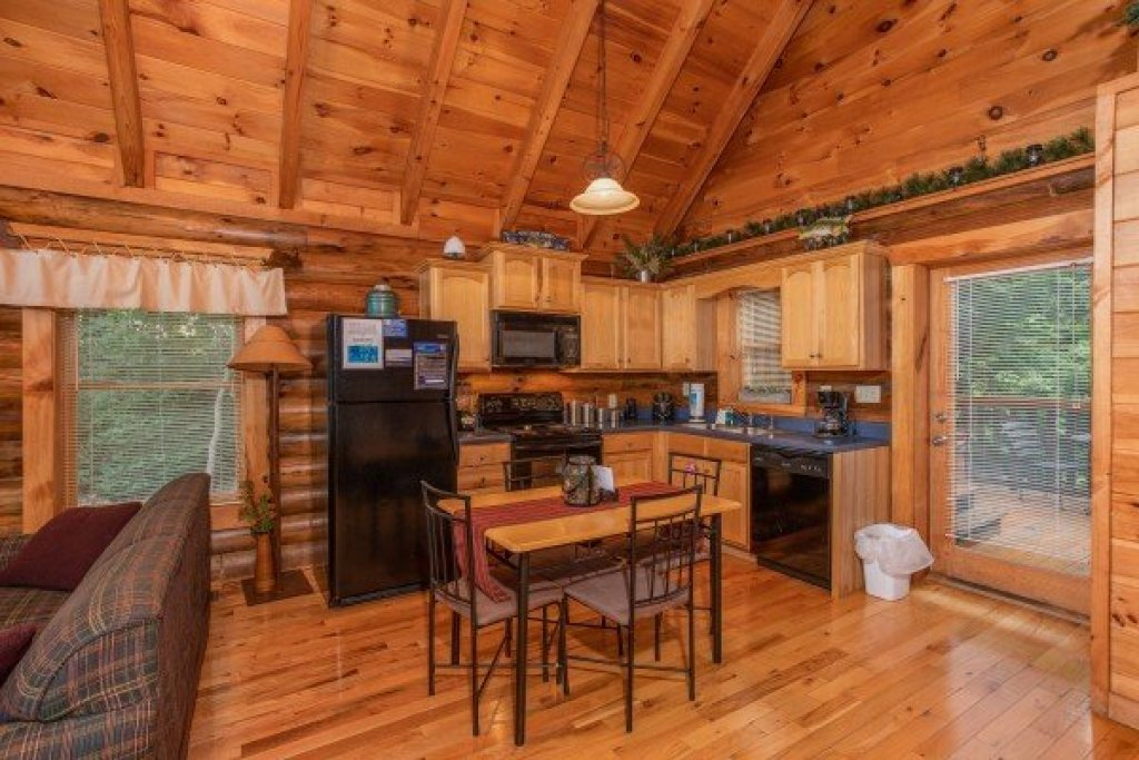Photo of a Pigeon Forge Cabin named Alpine Sunset Thrill - This is the fifth photo in the set.
