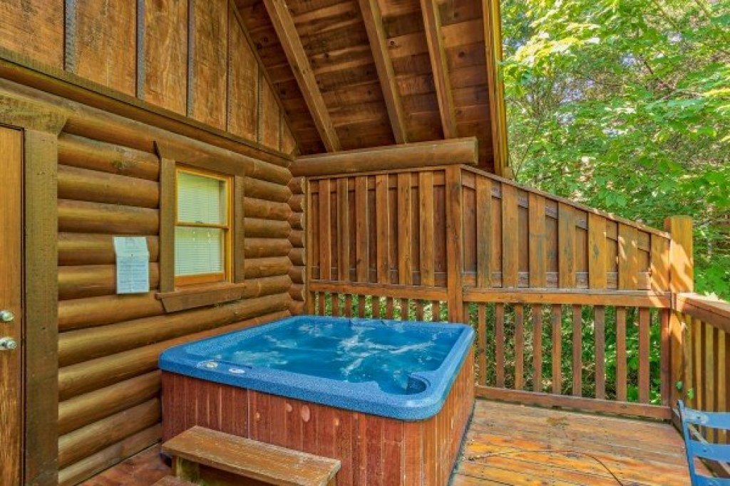 Photo of a Pigeon Forge Cabin named Alpine Sunset Thrill - This is the eleventh photo in the set.