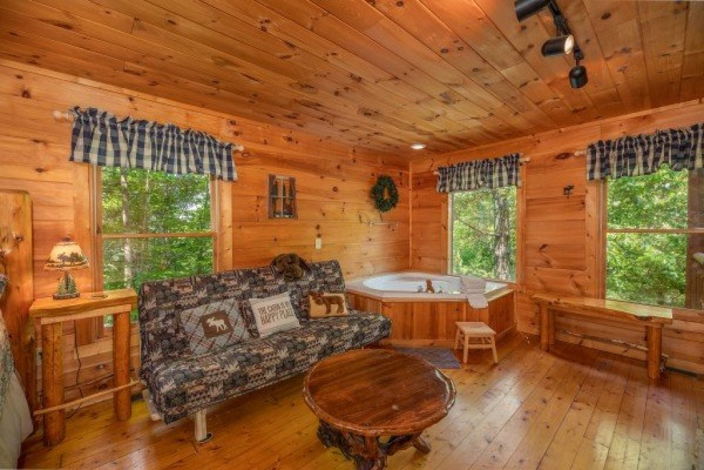 Photo of a Gatlinburg Cabin named Misty Mountain Escape - This is the eleventh photo in the set.