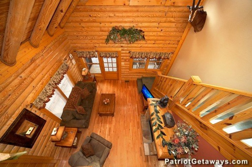 Photo of a Pigeon Forge Cabin named Hibernation Hideaway #745 - This is the eighth photo in the set.