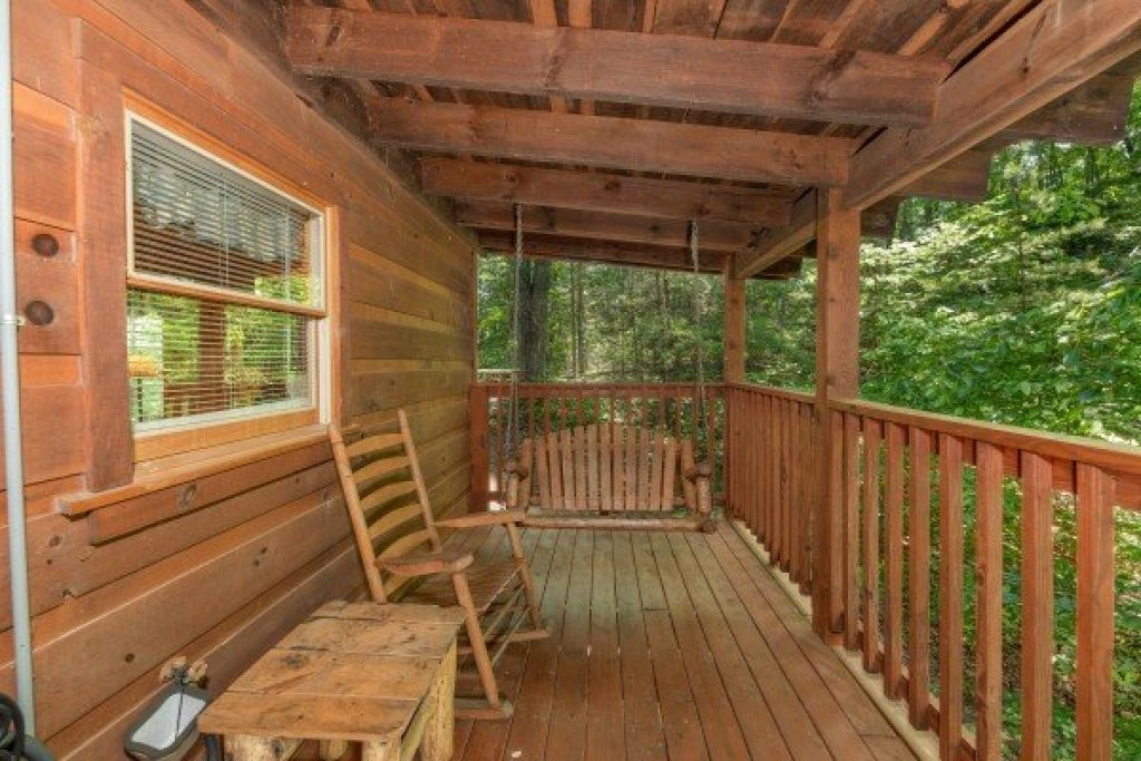 Photo of a Gatlinburg Cabin named Misty Mountain Escape - This is the twenty-third photo in the set.