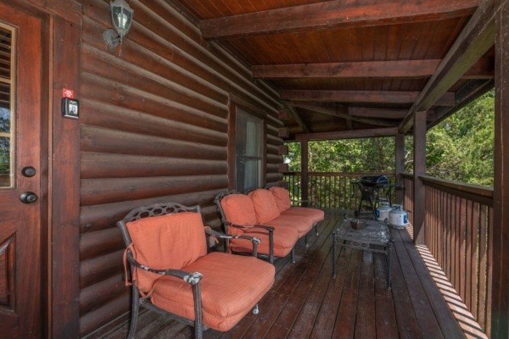 Photo of a Sevierville Cabin named Top Of The Way - This is the ninth photo in the set.