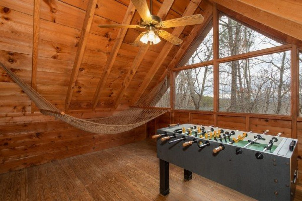 Photo of a Sevierville Cabin named Sweet Mountain Escape - This is the ninth photo in the set.