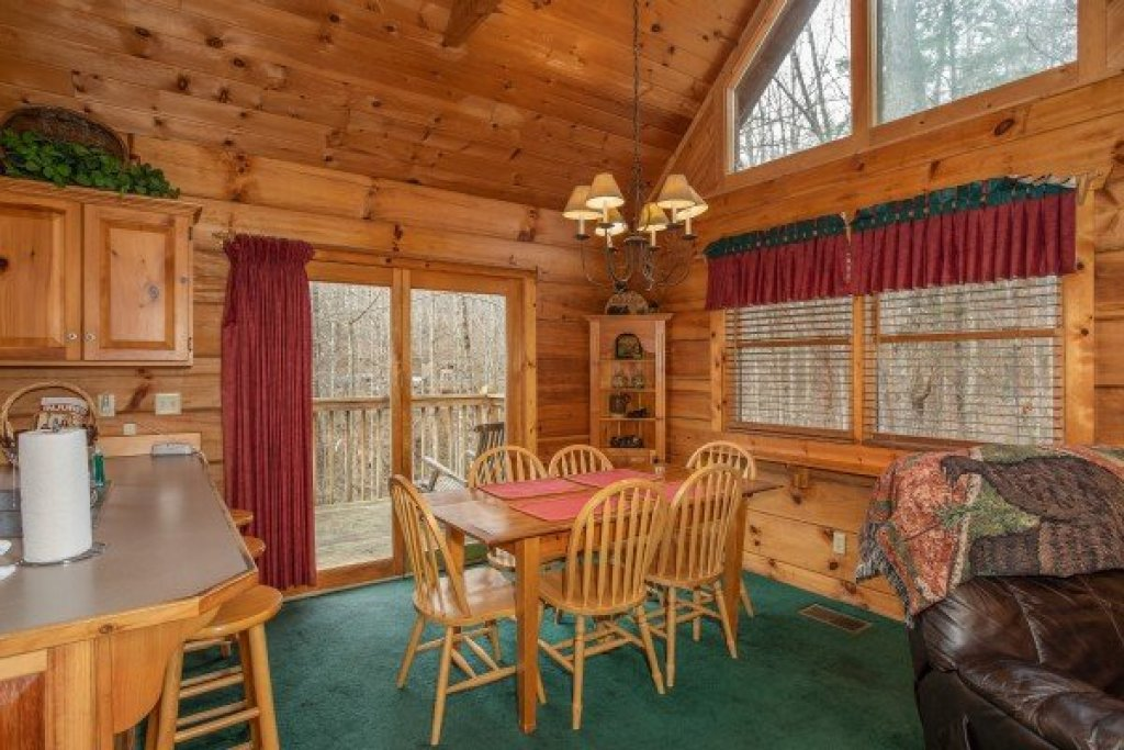 Photo of a Sevierville Cabin named Sweet Mountain Escape - This is the sixth photo in the set.