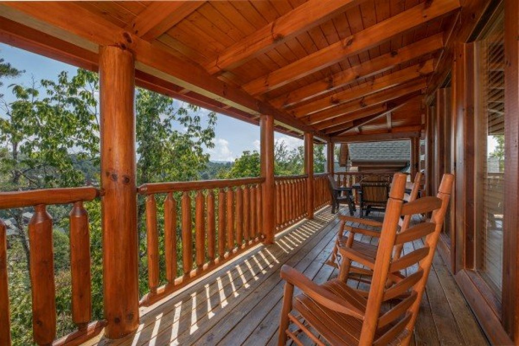 Photo of a Sevierville Cabin named Bear Bottom Retreat - This is the thirteenth photo in the set.