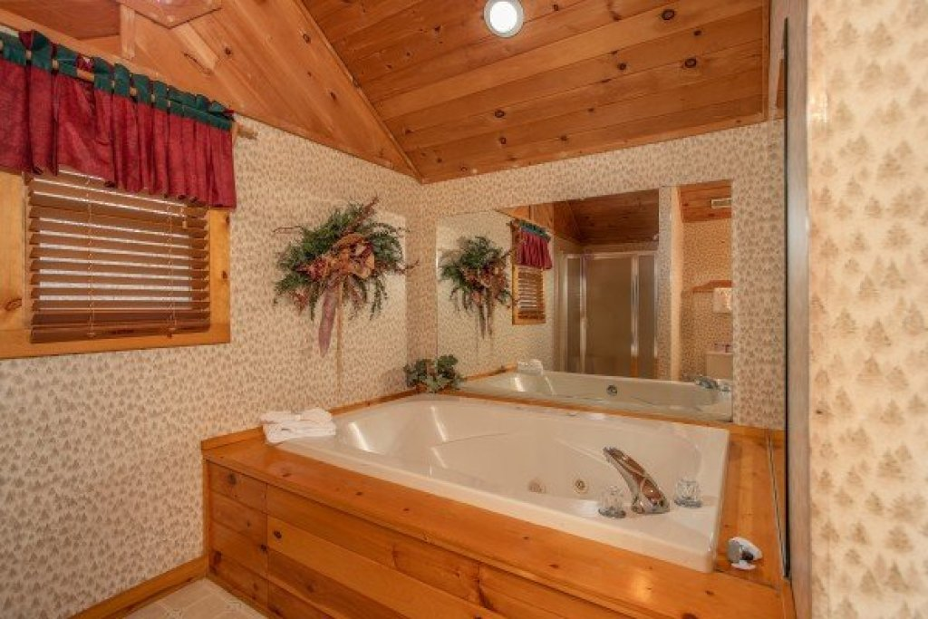 Photo of a Sevierville Cabin named Sweet Mountain Escape - This is the seventeenth photo in the set.