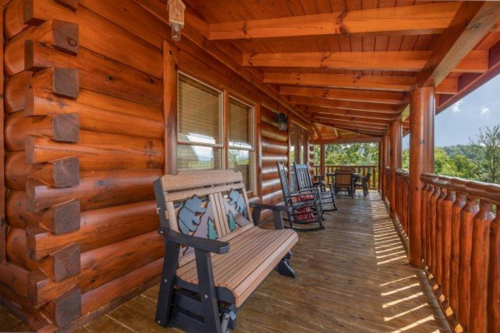 Photo of a Sevierville Cabin named Bear Bottom Retreat - This is the third photo in the set.